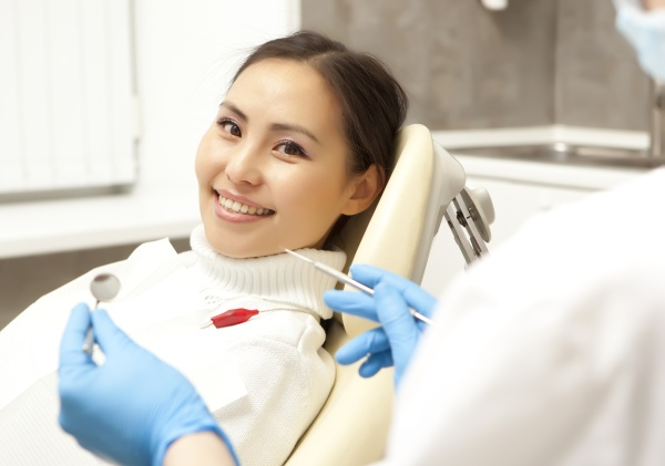 Who Needs Dental Bonding In Cosmetic Dentistry?